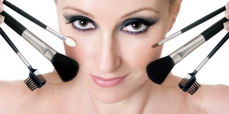 Make-up dezent geschminkt