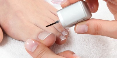 Fußbäder, Hornhautvorsorge und Nagelpflege